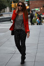 Red-jennifer-lopez-blazer-black-zara-bag-gray-gap-t-shirt