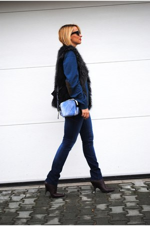 Phillip Lim bag - Alexander Wang boots - Zara jeans - H&amp;M vest