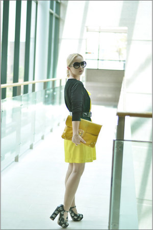 Heeltown heels - Forever 21 dress - asos bag - Chanel sunglasses - H&M cardigan