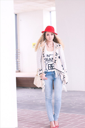 off white Sheinside cardigan - light blue Forever21 jeans - red H&amp;M hat