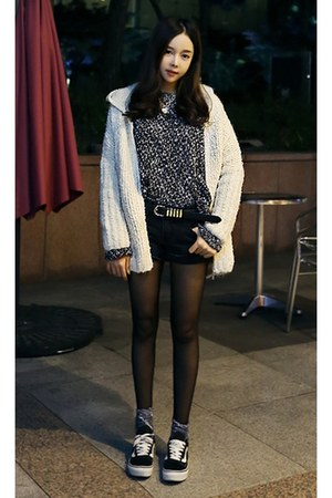 heather gray yubsshop sweater - yubsshop tights - black yubsshop shorts