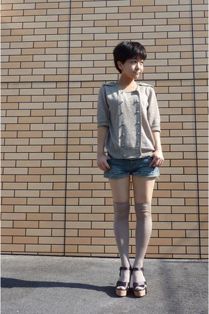 cardigan top - platforms shoes - denim jeans shorts - beige knee high socks