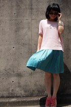 turquoise blue skirt - light pink Theory sweater - bubble gum heels