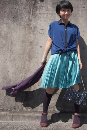 turquoise blue pleated skirt - black sequined bag - purple knee high socks
