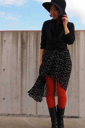 carrot orange Tabio tights - black Nine West boots - black Uniqlo blazer