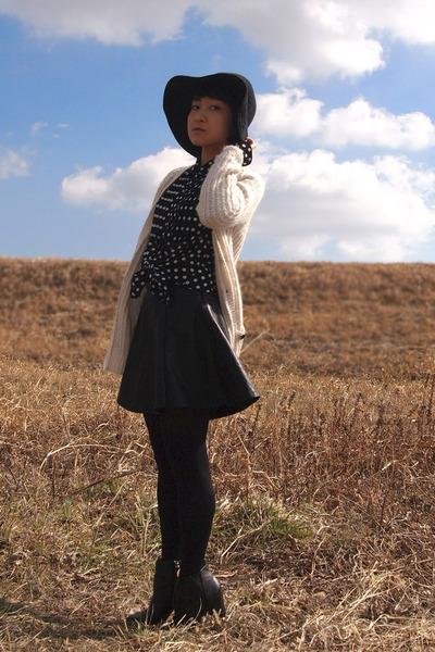 black Nine West boots - black floppy hat - black polka dots blouse