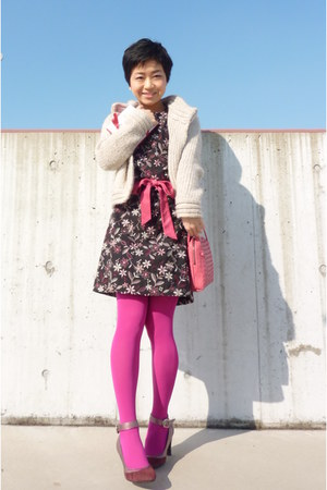 pink bag - maroon shoes - black floral Tocca dress