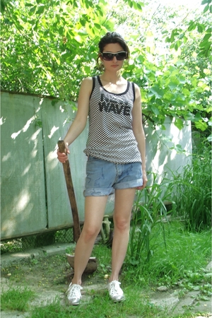 Way too hot days...or crazy gal with a shovel:)