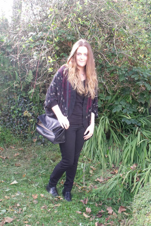 black new look jeans - black Zara bag - black Primark top - black Schuh flats