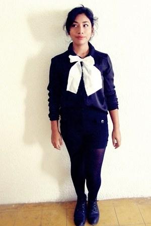 black flexi boots - black no brand tights - ivory cotton no-brand scarf