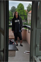 dark gray jordan hoodie - navy Reebok top - navy cut of folded o Selected Homme
