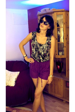 H&amp;M shorts - H&amp;M sunglasses - Matthew Williamson top - DKNY bracelet