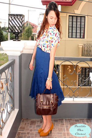 blue skitrt bazaar find skirt - satchel Robinsons department store bag