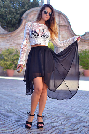 black Glamorous skirt - black firmoo sunglasses - black Dino Direct wedges