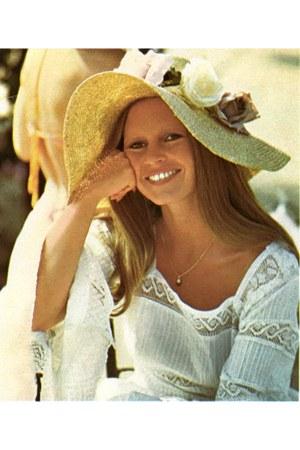 beige BB hat - white Brigitte Bardo shirt