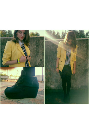 yellow vintage blazer - black Avon leggings - white vintage shirt - black wedges