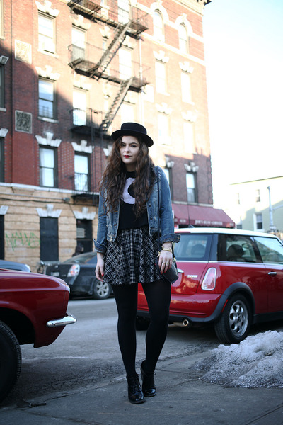 black tee gypsy warrior shirt - dark gray plaid thrifted from Crossroads skirt