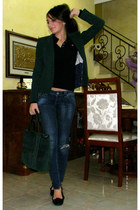 green jacket - shoes - jeans - bag - black t-shirt