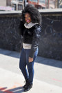 Navy-jeans-black-jacket-tan-sweater-black-sneakers