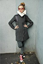 charcoal gray me&m coat
