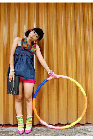 pink random shorts - pink dhivine shoes - gold Sakura shoes - blue juzzie dress