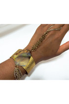 Agate-brass-nu-bambu-bracelet