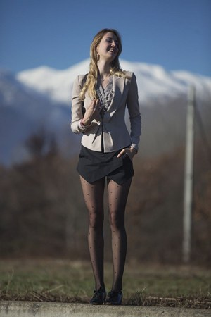 Pinko blazer - carlo pazolini shoes - Calzedonia tights - happy hour Zara shorts