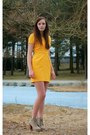 Mustard-lace-the-kooples-dress-tan-heels