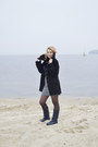 Navy-leather-boots-black-wool-coat-navy-cotton-atmosphere-top
