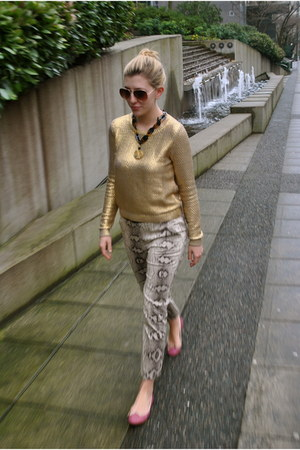 gold gold painted H&M sweater - gold aviators H&M sunglasses