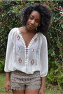 Beige-tj-maxx-shorts-white-ross-blouse