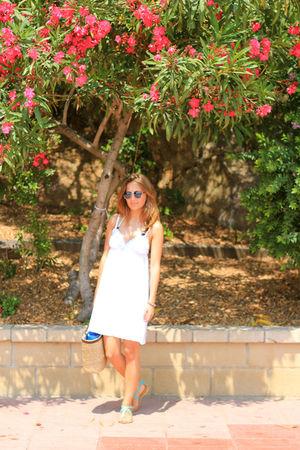 blue Miss Selfridge shoes - white H&M dress - beige Incity purse