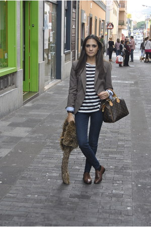 dark brown Zara blazer - dark brown pull&bear shoes - navy armani jeans