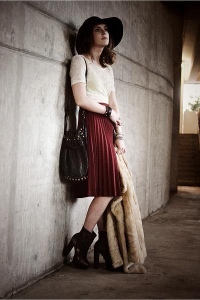 maroon pleated vintage skirt - dark brown Steve Madden boots - black Bebe hat