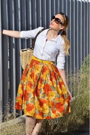 light orange Blue Velvet Vintage skirt - white Zara shirt - camel BLANCO bag