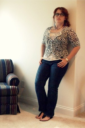 lucky jeans - feather earrings - bleached vintage top - animal print Francesscas