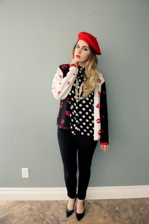 blouse - red beret hat - lip sweater - pumps Nine West heels