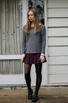 maroon American Apparel skirt - black Lipstik shoes