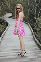 black sunglasses zeroUV sunglasses - hot pink Onatah dress