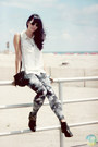 Black-macys-boots-navy-galaxy-print-no-name-leggings-white-h-m-shirt
