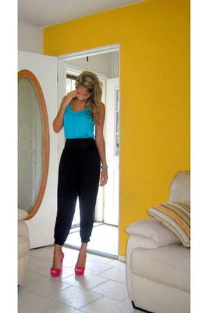 suede Miu Miu heels - Urban Outfitters top