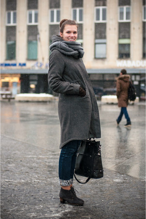 angelo carutti boots - H&M coat - GINA TRICOT jeans - random brand scarf