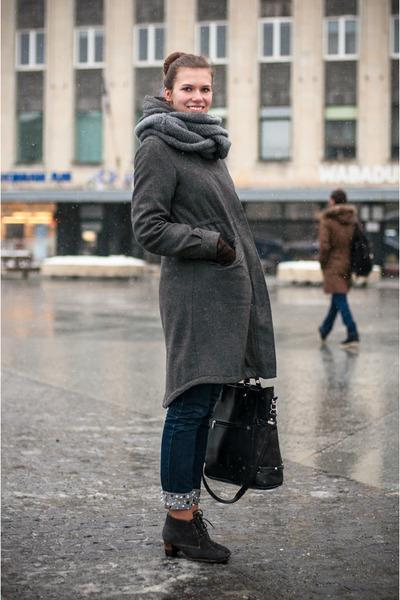 angelo carutti boots - H&M coat - GINA TRICOT jeans - random brand scarf