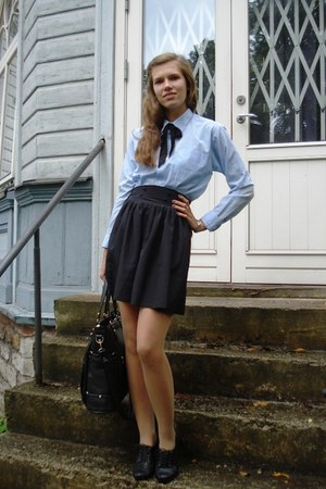 black Jouni bag - sky blue thritfed shirt - black thrifted skirt