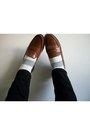 Polka-dot-f21-socks-penny-loafers-cole-haan-loafers