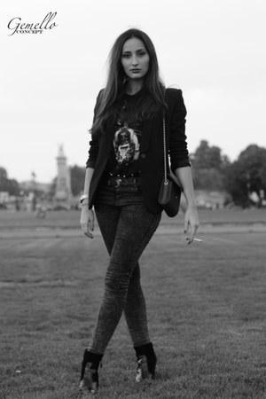 Kurt Geiger boots - J Brand jeans - Claudie Pierlot jacket - Givenchy t-shirt