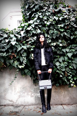 fur coat coat - Mango sweater - Mango leggings - Axel bag