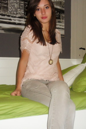 lace t-shirt - jeans - top - necklace