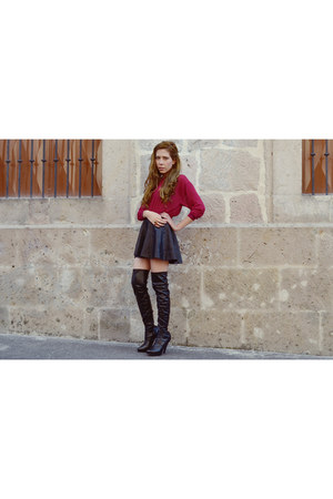 black pull&bear skirt - ruby red Cleopatras Bling ring