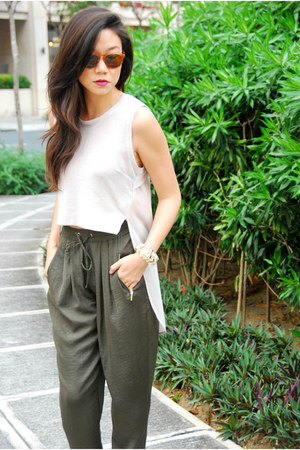 H&amp;M top - Mango shoes - Warby Parker sunglasses - Zara pants